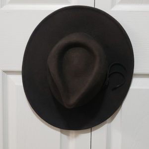 Vintage style weathered hat